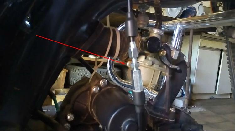 Натяжник на тросике сцепления мопеда Альфа RX